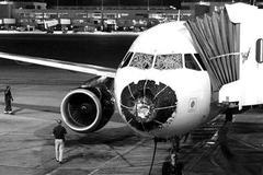南方航空客机遭冰雹 风挡破裂安全降落