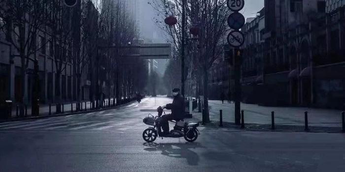 两位困境中的武汉企业家:来不及思考破产 只盼人没事