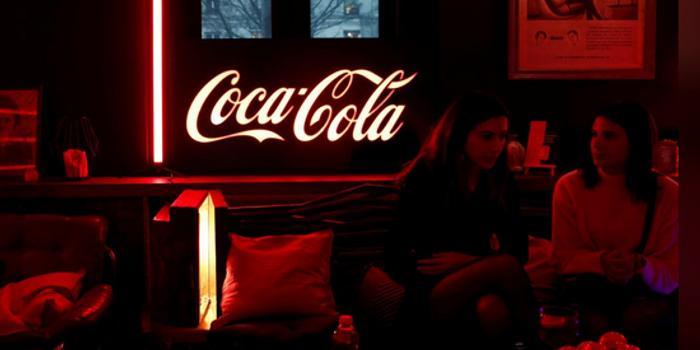 无糖可乐和迷你罐装推动可口可乐收入增长