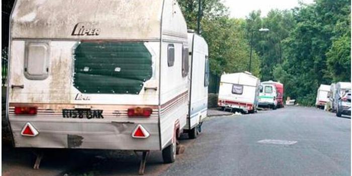 成千英国工人被曝无家可归,每晚被迫露宿街头