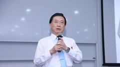 日本庆应大学庆应商学院院长Hirokazu Kono出席