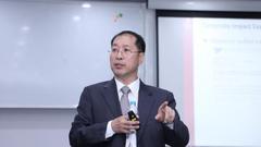韩国高丽大学商学院院长Soo Young Kwon出席并演讲