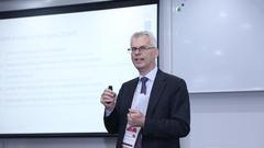 挪威NHH经济和管理学院校长Øystein Thøgersen出席