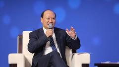 复星医药总裁兼CEO吴以芳担任主持人