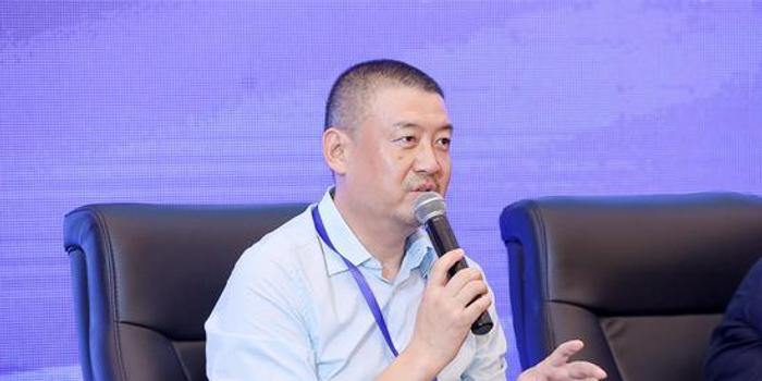 張亞哲出席第14屆歐美同學會北京論壇
