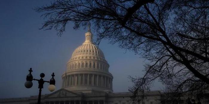 美国国会预算办公室:明年预算赤字突破1万亿美元