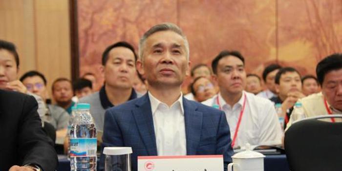 清华经管院领导力与组织管理系系主任、教授杨百寅