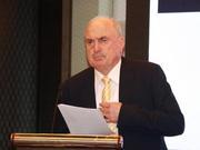 澳大利亚前联邦民生服务及地方政府管理部长发表演讲