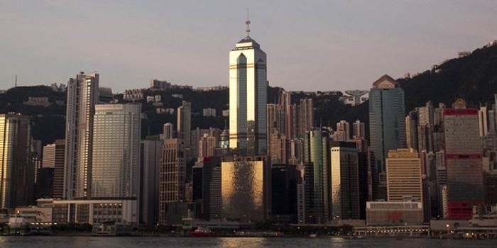 香港房价何其之高 一个停车位竟卖出约100万美元