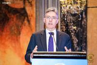阿姆斯贝格:亚投行愿动员私有资源推动建设基础设施