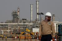 """全面石油价格战打响 沙特、俄罗斯、美国谁先""""崩""""?"""