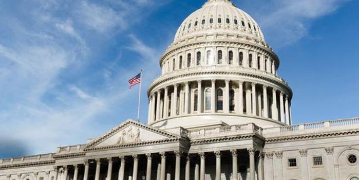 美国预算赤字突破1万亿美元 创七年来最高水平