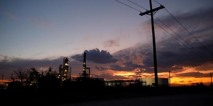 美油价格同比下降17% 投资者料美股油气企业收益疲软