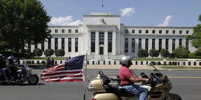 刺激经济的政府支出热潮正在消退 美国经济前景不明