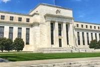 """""""先加息再降息!""""今年的美联储会复制1995年吗?"""