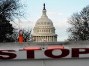 美股动荡之际,政府关门长期持续意味着什么?