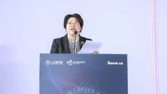 中国人民大学商学院教学杰出教授冯云霞主持论坛