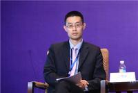 中诚信国际政府融资评级部总经理吕修磊主持