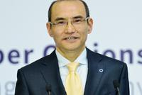 上海期货交易所总经理席志勇主持上市仪式