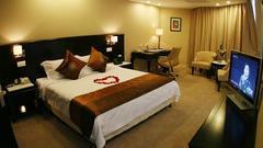 评论:自甘堕落的床单印满了某些五星级酒店的二皮脸