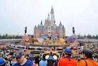 上海迪士尼前员工PS假门票半价出售 涉嫌诈骗罪被捕