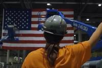 奥巴马拍的《美国工厂》讲了他在任时不敢讲的故事