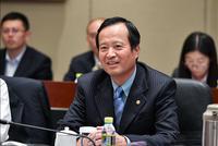 李亚东谈管控一带一路政治风险:去那就是投资 不站队
