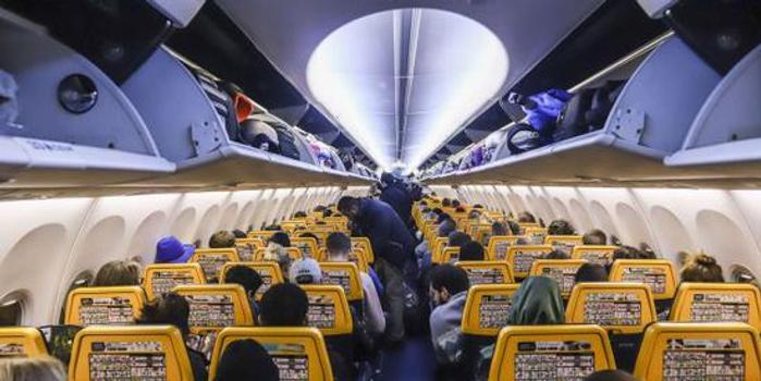 雙色球技巧_如何應對航空客運需求增長?把更多人塞進飛機里!
