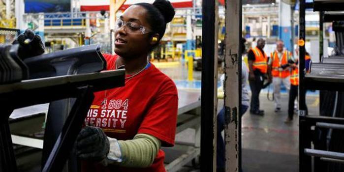 美二季度GDP增速下修至2% 进一步偏离特朗普的3%目标