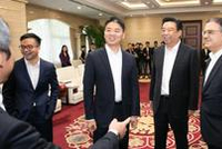 刘强东现身京东总部出席活动 未受近日传言影响(图)