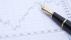 易纲:贸易摩擦增加经济下行风险