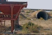 光明时评:千亿矿权案?#25105;月?#27084;不落地?