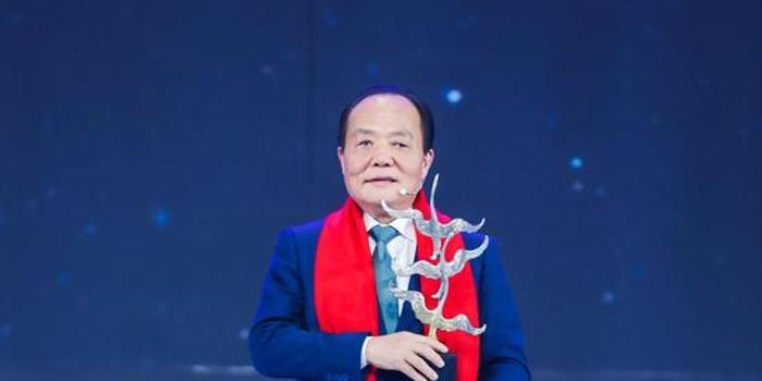 中国巨石总裁张毓强当选2019经济年度人物
