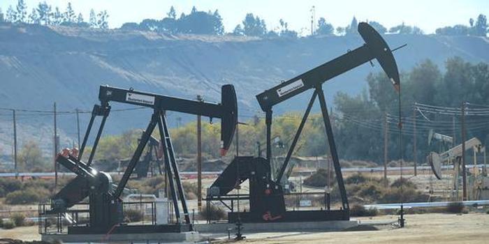 美国原油期货周三收跌2.9% 创一周新低