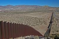 """美国和墨西哥继续谈判 特朗普呼吁墨西哥""""开始行动"""""""