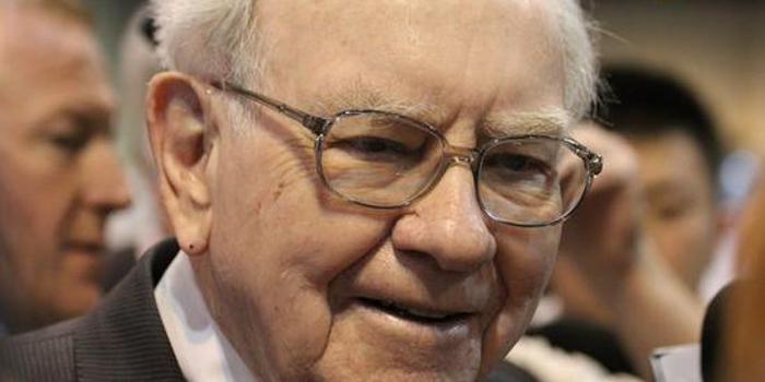 巴菲特:若利率保持低位 股票收益肯定會勝過債券