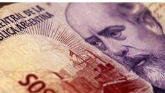 阿根廷央行意外将关键利率上调至45% 比索仍大跌