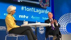 拉加德对话彭博创始人:贸易战最伤害贫困人群