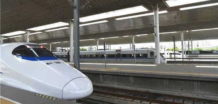 厦深高铁提速首日旅客直呼真香