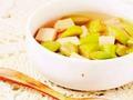 素食养生:龙井丝瓜豆腐汤