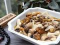 素食养生:菌菇豆腐汤