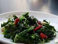 素食养生:翡翠西芹叶