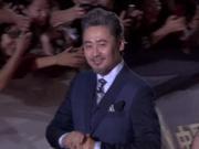 视频:飞天奖吴秀波亮相红毯 成熟型男魅力暴击