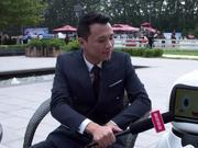 特智慧中国智慧机器人创始人谢拳艺接受新浪马术采访