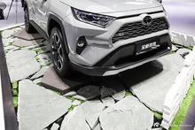 融入众多丰田最新技术 实拍全新RAV4