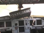 川航机长回忆紧急着陆 当时飞机上经历这样的惊魂时刻