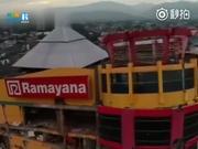 视频-印尼遭地震海啸袭击后惨烈画面:城市变废墟