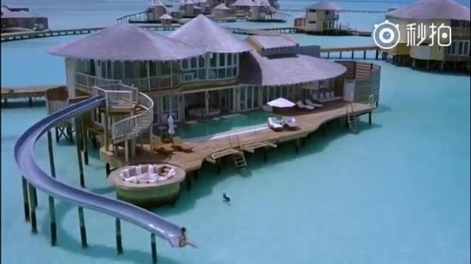 马尔代夫自带网红属性的酒店,直接滑梯入海