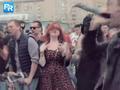燃!200多位音乐人为纪念Chester街头演绎《Numb》