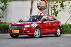 买车绝对要比价!12月新车奔腾B50优惠高达1.44万